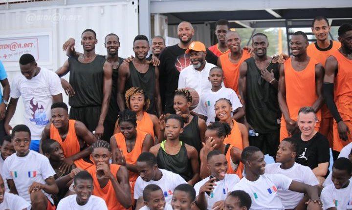 Boris Diaw partage son expérience du basket-ball avec des adeptes de ce sport