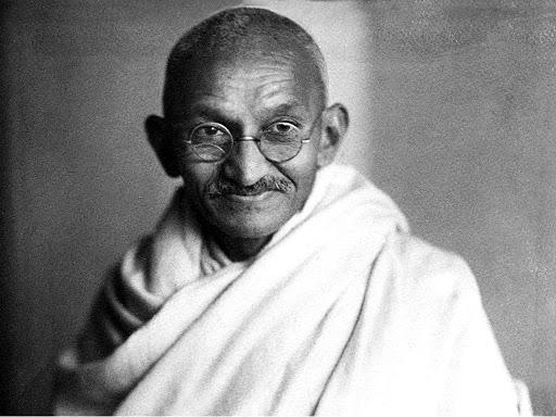 Une paire de lunettes de Gandhi aux enchères en Angleterre
