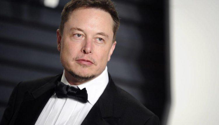 """L'Egypte invite Musk après un tweet sur les pyramides construites par des """"extra-terrestres"""""""