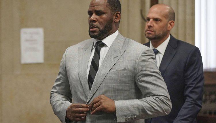 Le manager de R. Kelly accusé d'avoir menacé un cinéma de fusillade pour empêcher la diffusion d'un documentaire